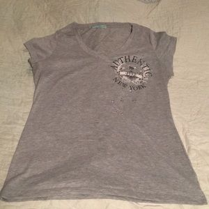 Maurice's XL V-neck tee